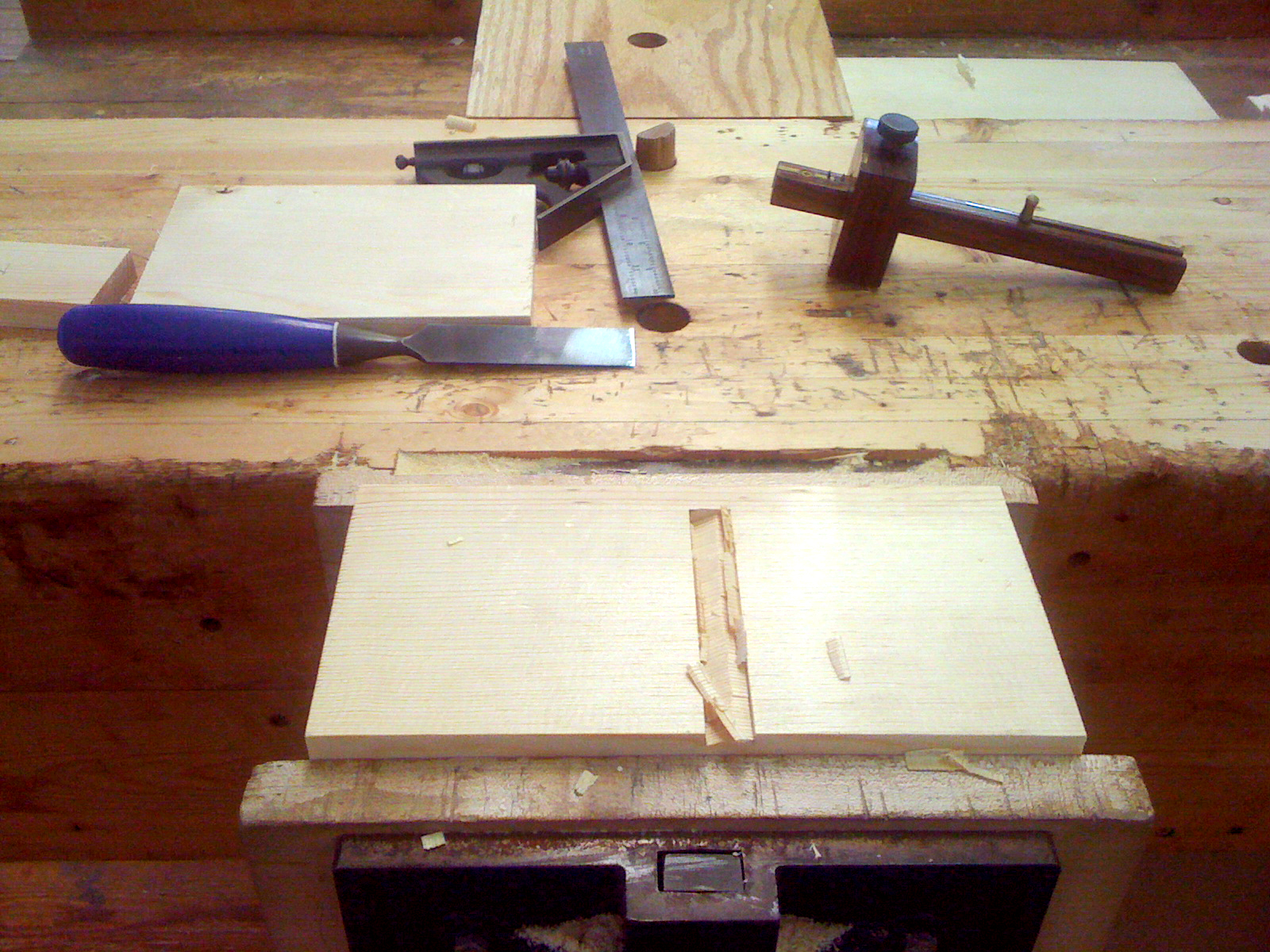 how to cut a dado with hand tools